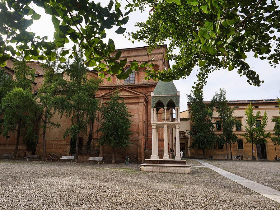 Bazylika Świętego Dominika atrakcje w Bolonii