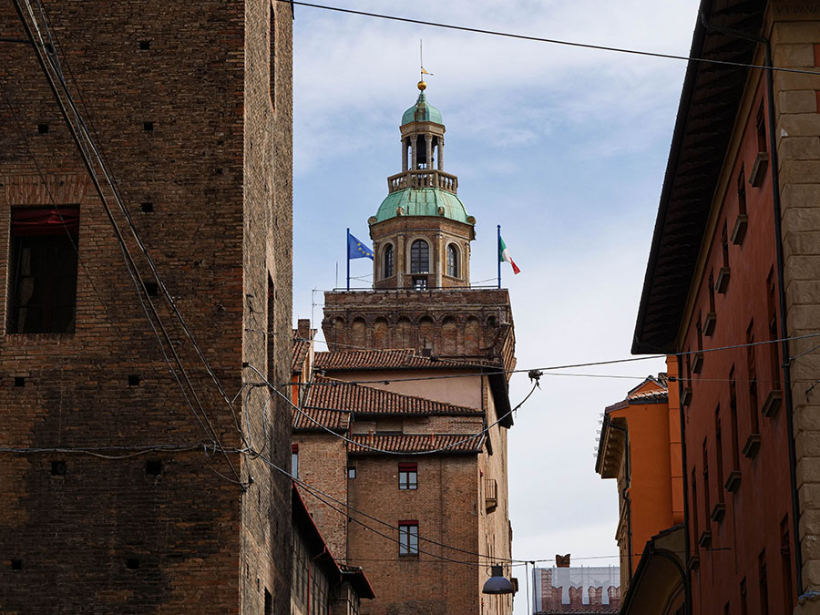 klimatyczne uliczki atrakcje w Bolonii
