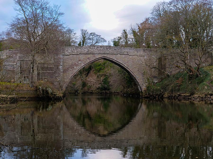 Brig 'o' Balgownie - stary kamienny most w Szkocji