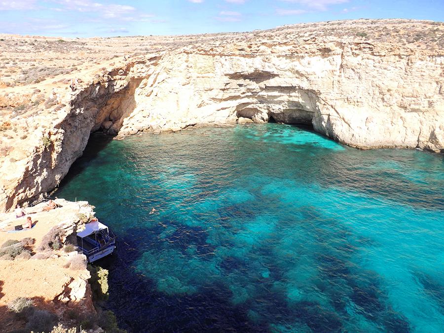 crystal lagoon malta comino