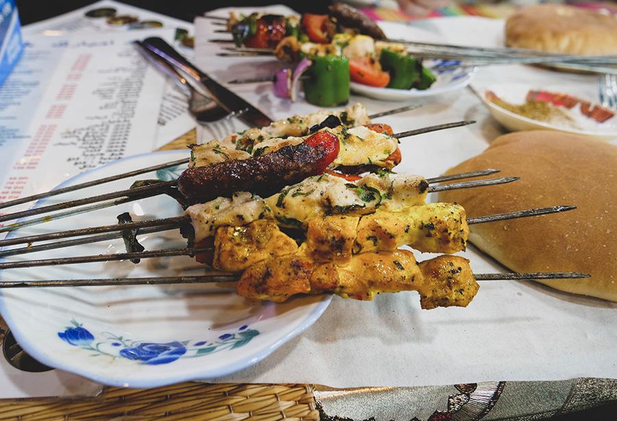 dania kuchni marokańskiej szaszłyki z kurczakiem