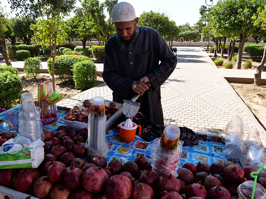 dania kuchni marokańskiej świeży wyciskany sok z granatu