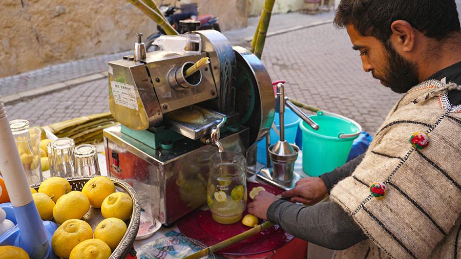 dania kuchni marokańskiej świeży sok z trzciny cukrowej