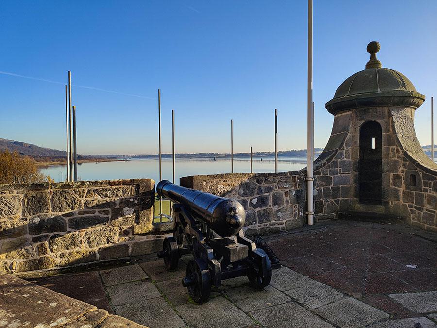 zamek dumbarton castle zamki w szkocji king georges battery