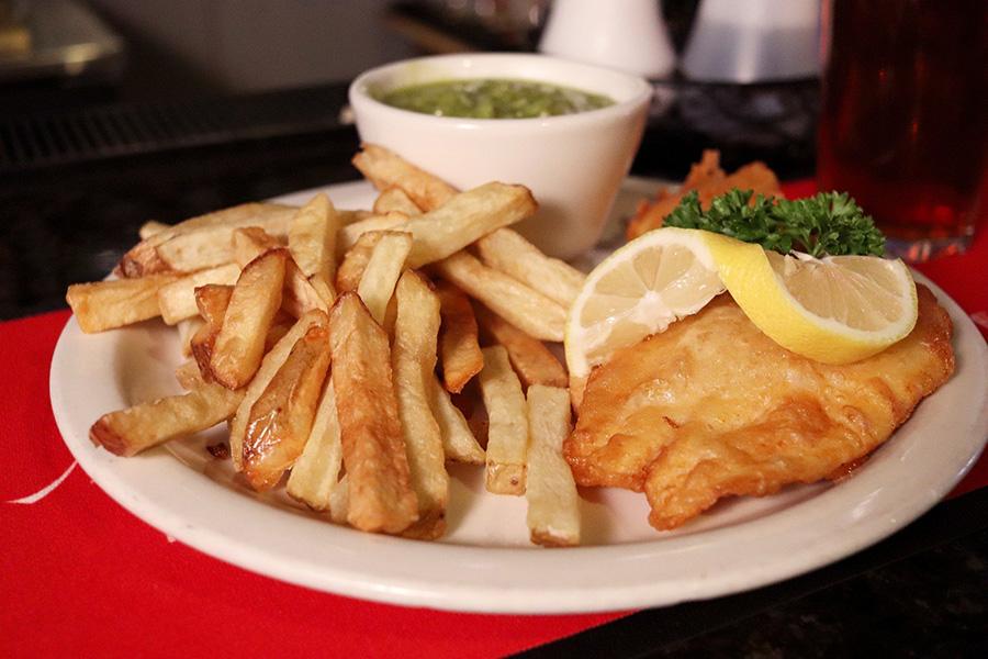 Czego warto spróbować w Szkocji fish and chips ryba i frytki