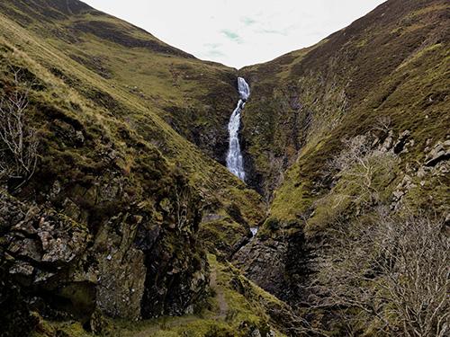 grey mares tail wodospady w szkocji południowa Szkocja
