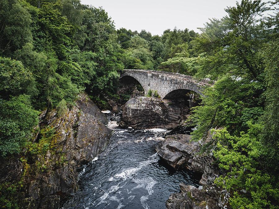 invermoriston falls loch ness wodospady w Szkocji
