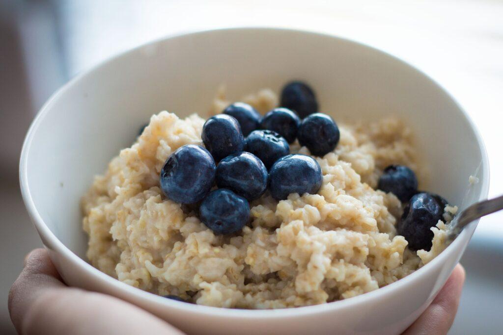 co warto zjeść w Szkocji owsianka porridge
