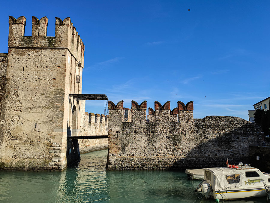castello scaligeri sirmione lago di garda zamek atrakcje