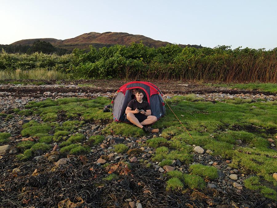 Spanie pod namiotem na dziko, Wild Camping w Szkocji