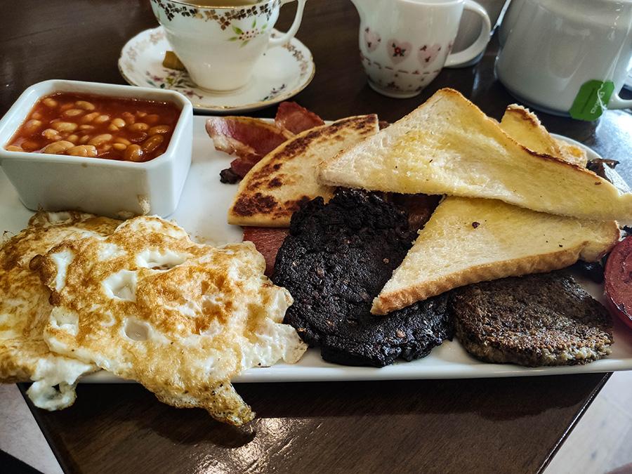 szkockie śniadanie jak smakuje i wygląda