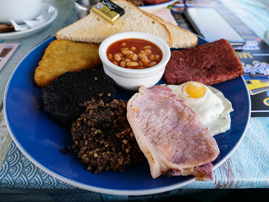szkockie śniadanie co warto spróbować w Szkocji