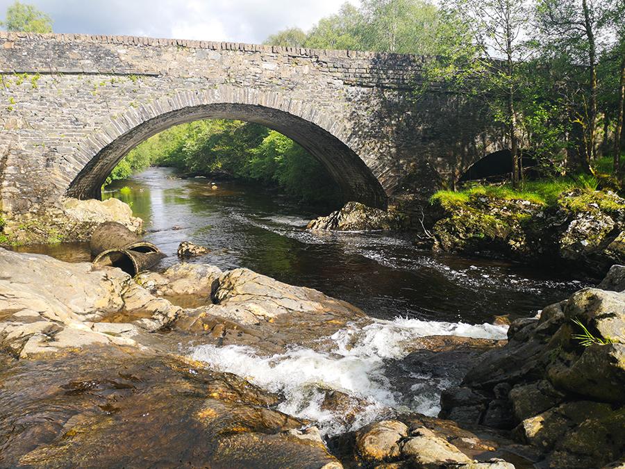 White Bridge Falls west highland way loch lomond atrakcje wodospady
