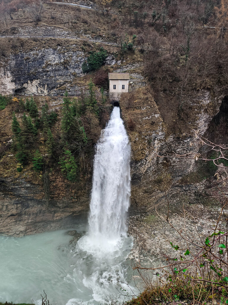 Wodospady w Dolomitach - Cascata di Ponte Serra
