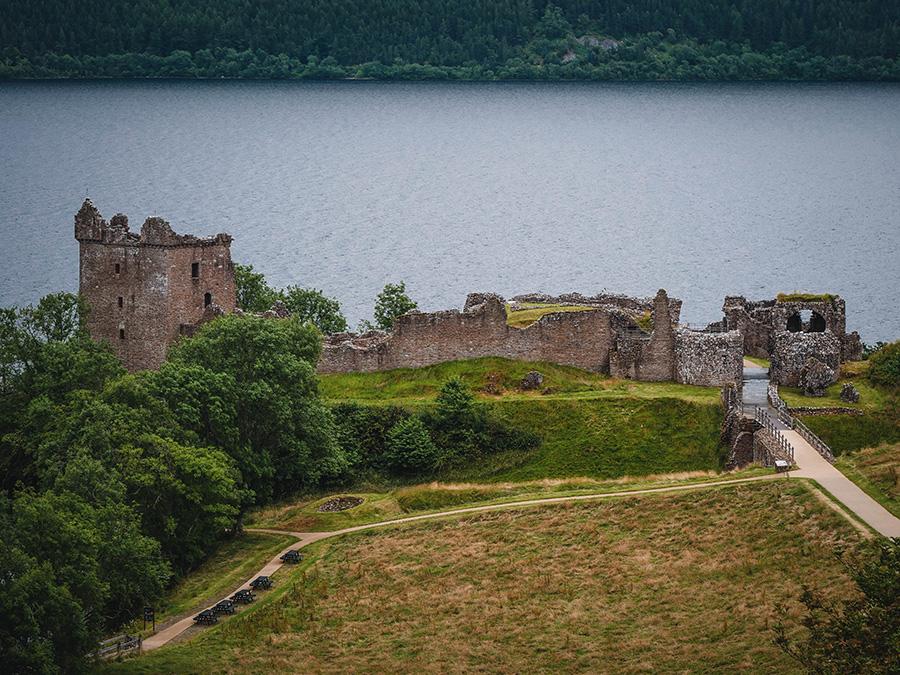 urquhart castle zamki w szkocji
