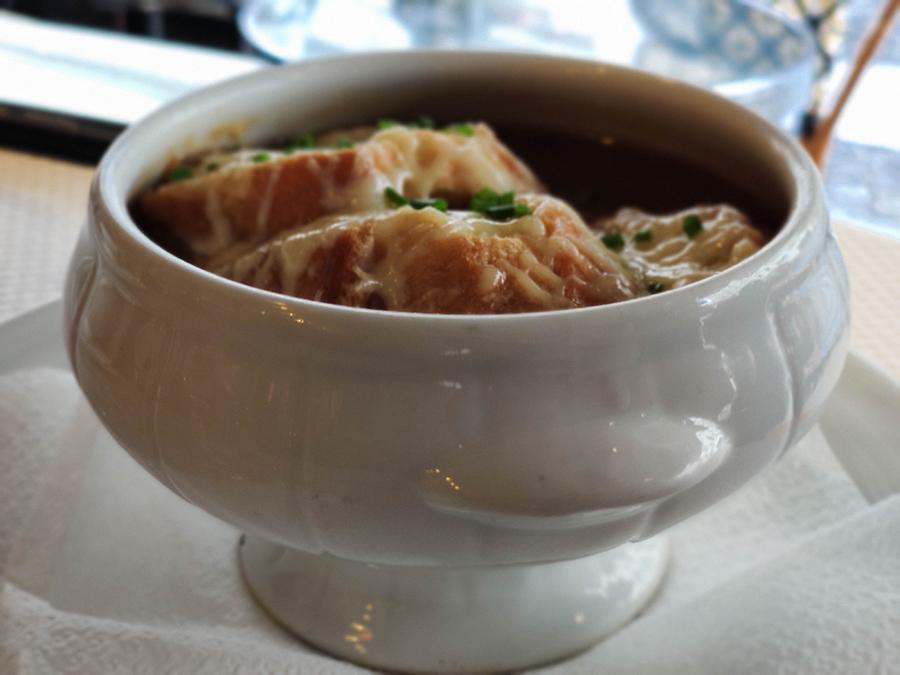 zupa cebulowa kuchnia francuska